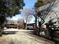 梅をはじめ、四季折々の景色を楽しめる「鈴鹿明神社」