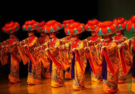 沖縄の風を感じる・琉球舞踊教室