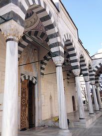 モスクで礼拝しよう「東京ジャーミー・トルコ文化センター」