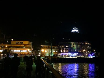 関東三大イルミ湘南の宝石。江の島を彩る光と色の祭典