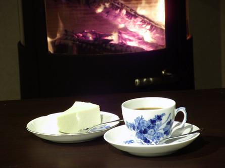 夏は涼しく、冬は薪ストーブで温まれるカフェ