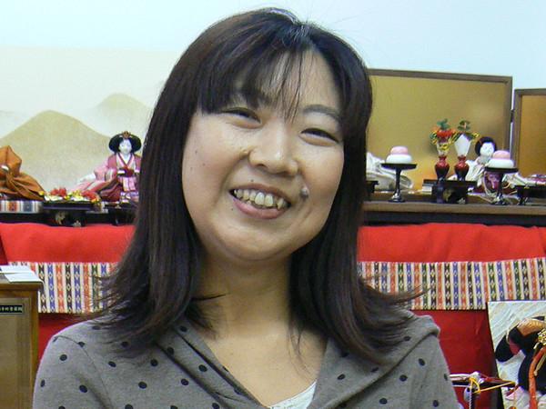 木目込み人形師の明峰さんの画像
