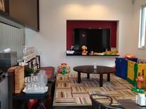 おもちゃ満載の座敷個室でのんびりカフェタイム
