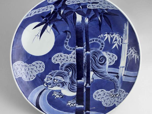 藍色浪漫(ろうまん)―伊万里染付・図変り大皿の世界―展の画像