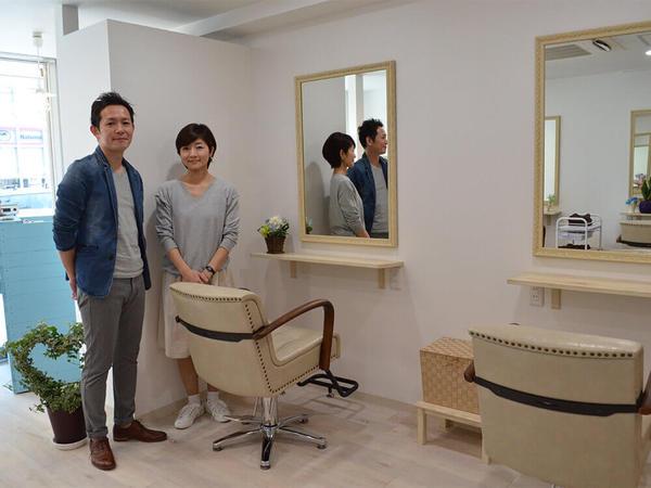 大人の女性がゆったりくつろげる美容室の画像