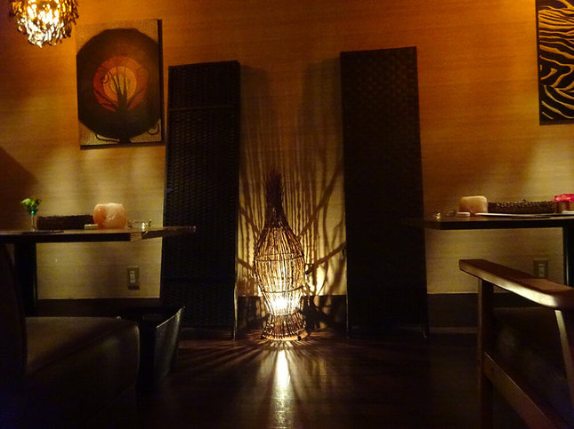 オーナーのセンス光る個室で創作料理を満喫!