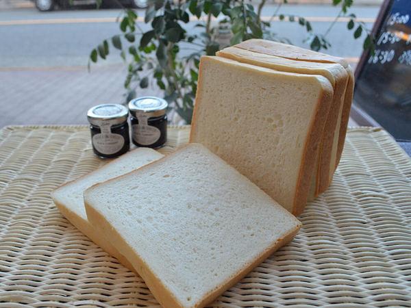 国産小麦から低糖質までこだわりの食パンを1本売りの画像