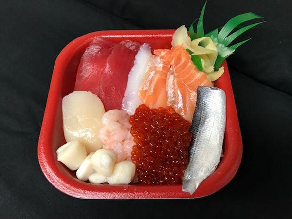 50種以上の海鮮丼が540円!の画像