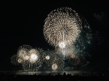 江の島で秋の花火大会
