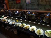 中華料理25種のビュッフェランチは手頃で美味しい!
