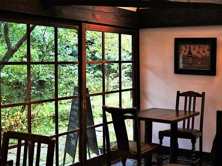 白洲次郎と正子が愛した武相荘で白洲家の食卓に触れる