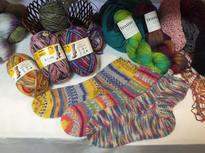 編んでいくと柄になるドイツ製の靴下用毛糸