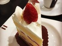 人気パティシエの完成されたケーキ