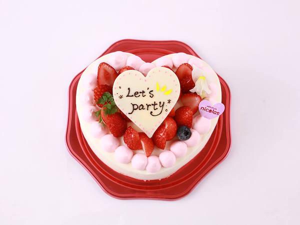 ハート型のデコレーションケーキ