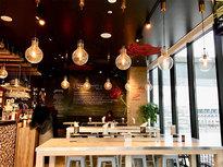パン屋さん併設のカフェショップ