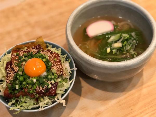 藤沢名物のバラ丼とうどんのセットランチ!の画像