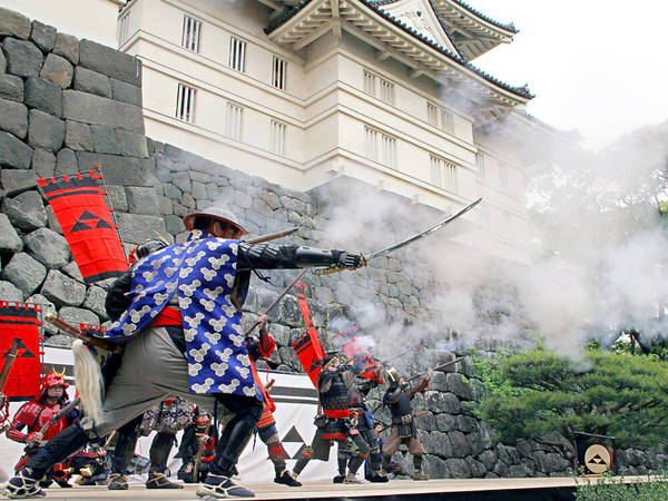勇壮な武者行列やパレードを楽しもうの画像