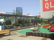 新宿駅近くで子どもが遊べる、憩いのスポット!