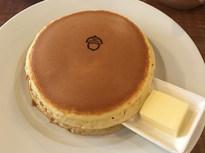 かわいいマークのホットケーキ