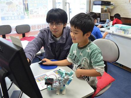 子供向け各種プログラミングコースが充実