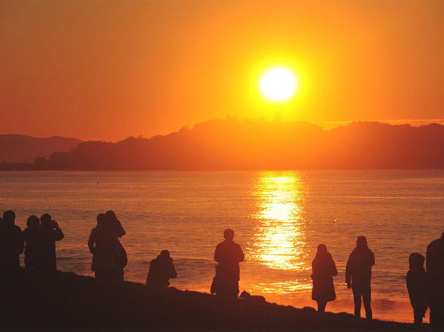 江ノ島で海から昇る初日の出を見よう!