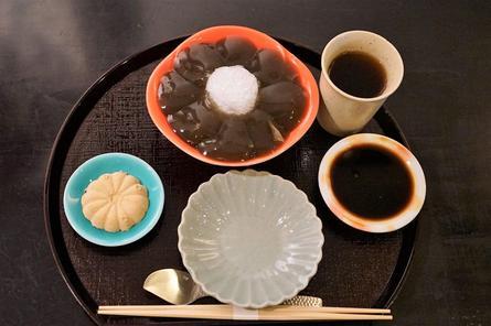 絶品!生わらび餅やかき氷!下北沢のレトロな甘味処