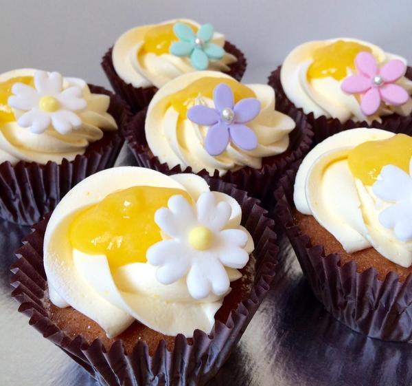 見た目や素材にこだわったカップケーキの画像