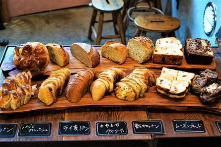 土日祝のランチはパンが食べ放題の下北沢のビストロ