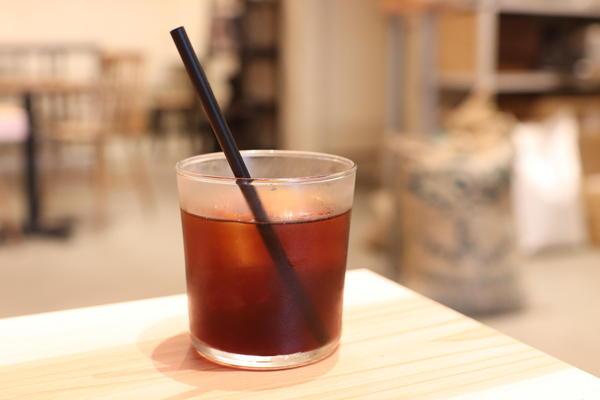 人気珈琲店がカフェ併設の自家焙煎珈琲店をオープン