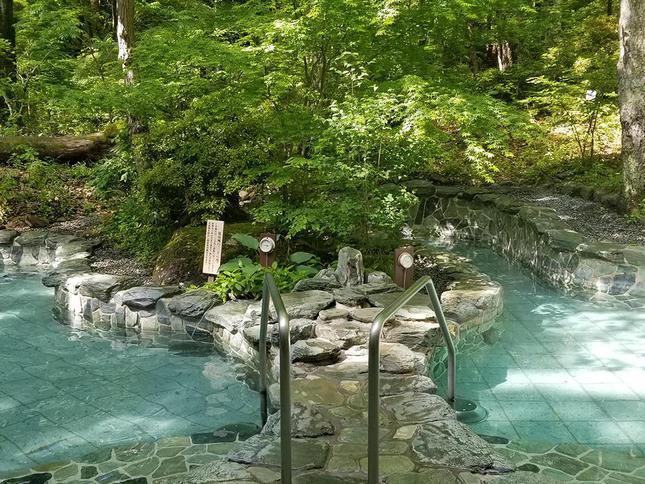 自然に囲まれた、美肌の湯