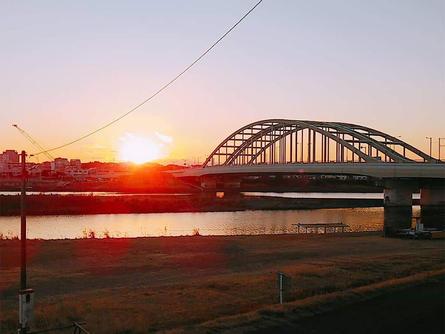 多摩川で空が眺めたくて