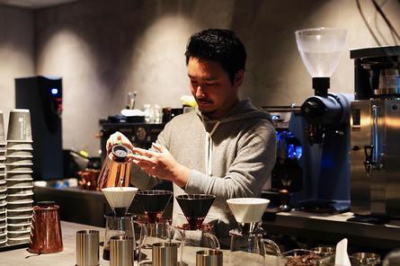 奥渋カフェはamadanaの機器でハンドドリップ♪