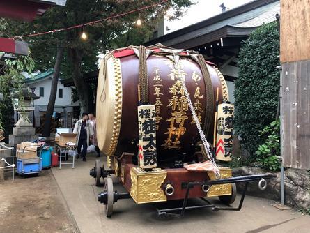 大太鼓が街を練り歩きます!