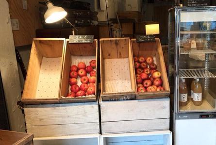 プレゼントに最適!産地直送のりんごとジュース