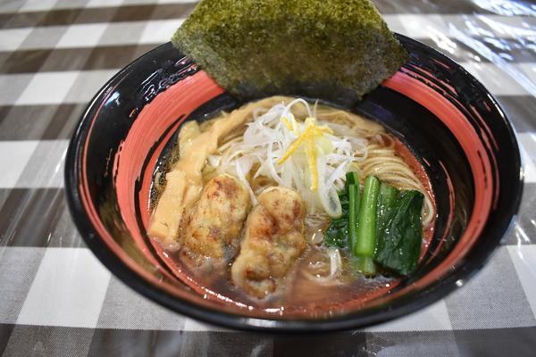魚介と動物系のWスープが来店者を魅了