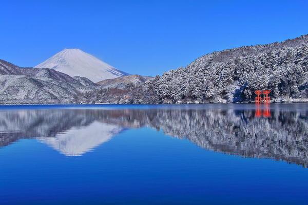 雪景色も楽しめる、冬の箱根の画像