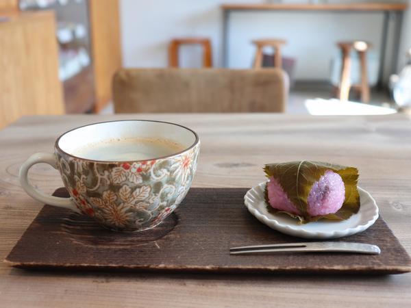 季節の和菓子をオシャレな心地よい空間で味わって