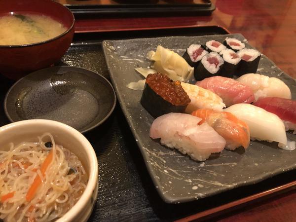 お財布に嬉しい!リーズナブルなお寿司ランチの画像