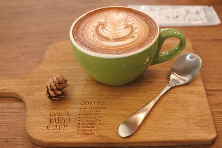 本格的なラテアートが楽しめるカフェ