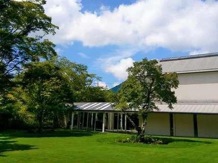 「箱根ラリック美術館」にジュエリーとガラス作品を見に行こう!